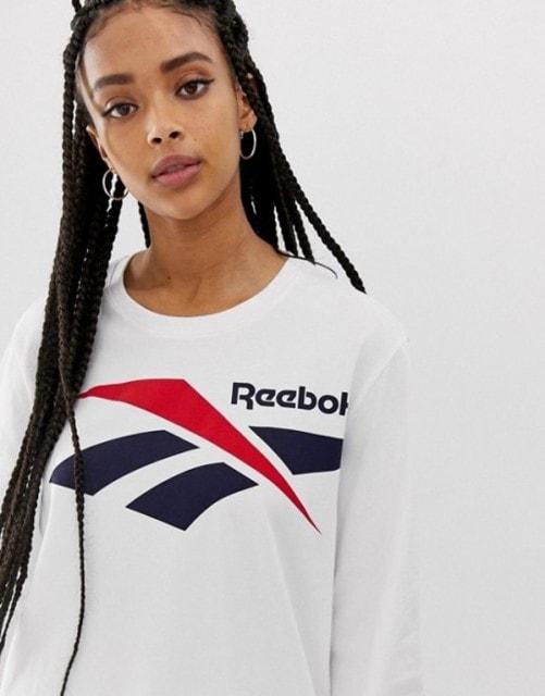 リーボックTシャツ