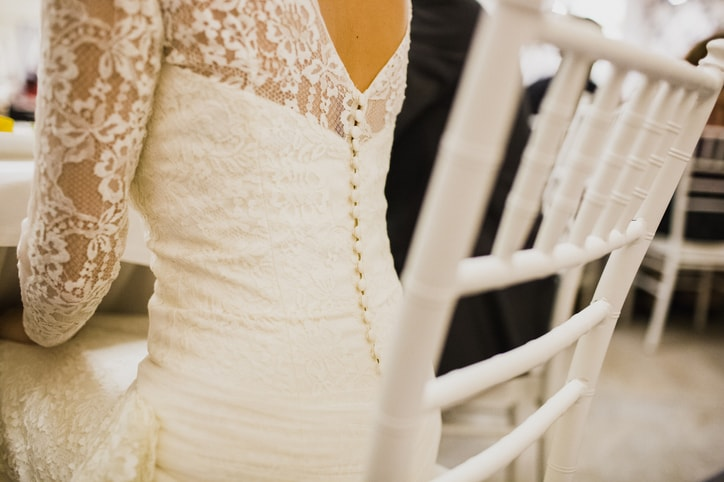 結婚式 白