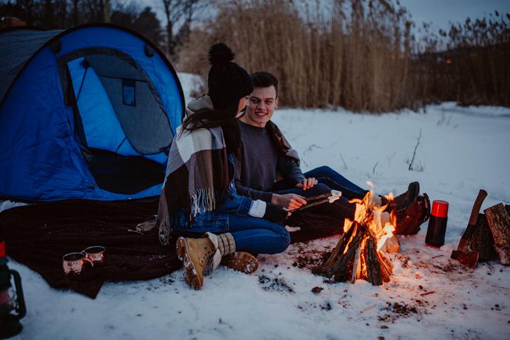近年「冬キャンプ」が人気!?その理由とは