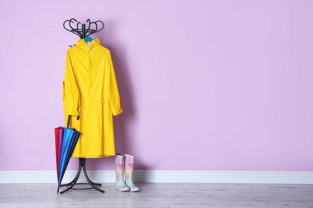 おしゃれなレディースレインコート・ウェア8選!雨の日のお出かけも楽しもう