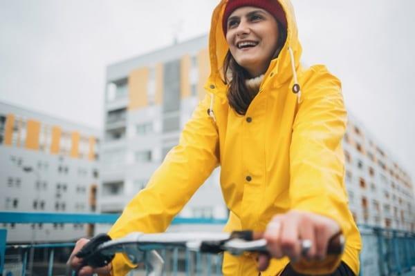 全身濡れない!自転車専用の『レインポンチョ』は大雨だって徹底ガード!
