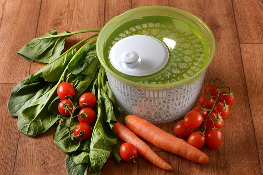 野菜の水切りを手早く簡単に!サラダスピナーのおすすめ8選