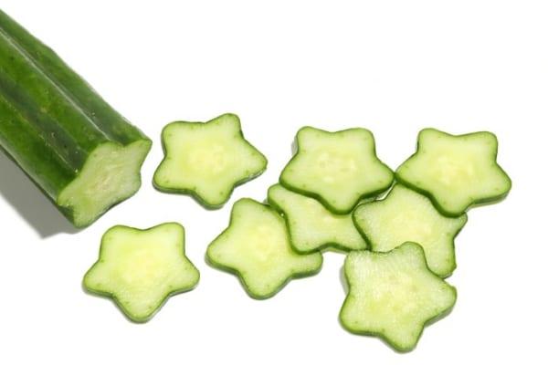 【今日は何の日?】きゅうりが星形に?!ベランダ菜園でデコきゅうり作り!
