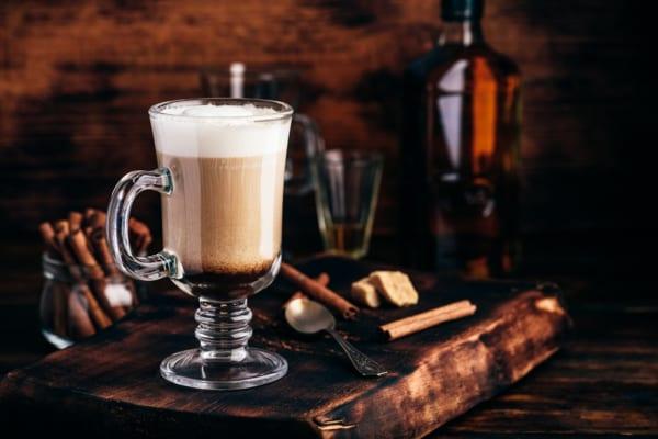コーヒー豆を漬けるだけ!コーヒー焼酎の作り方と自分流の楽しみ方