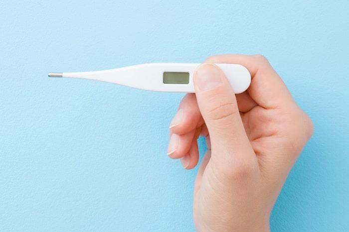 えっ早すぎ!1秒で測れる「体温計」は毎朝出勤前の検温に◎寝坊しても安心