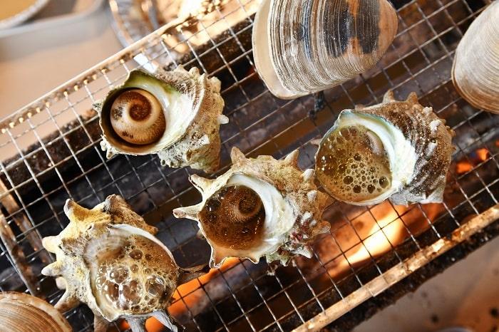 調理器具一切必要なし!「牡蠣・サザエ」の蒸し焼きが手間なく自宅で楽しめる!