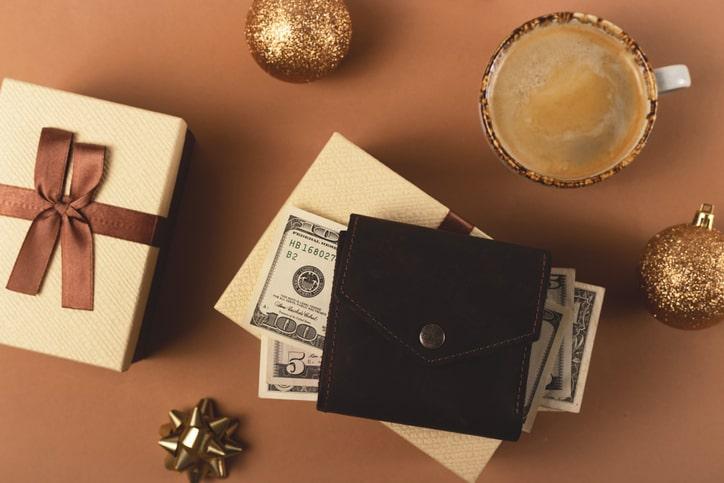 「憧れブランド」に手が届きやすいミニ財布は、プレゼントにも最適!