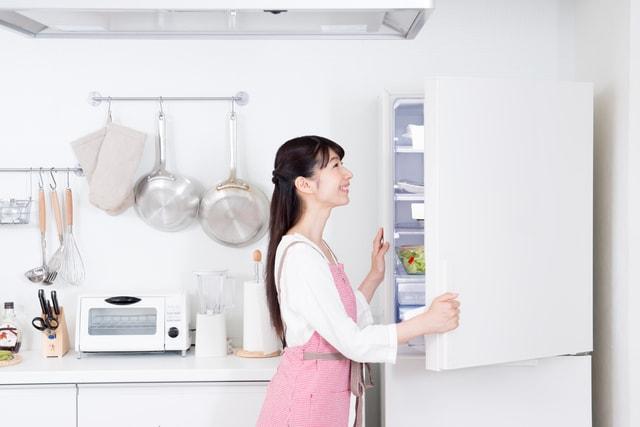 冷凍カニを冷蔵庫で解凍する