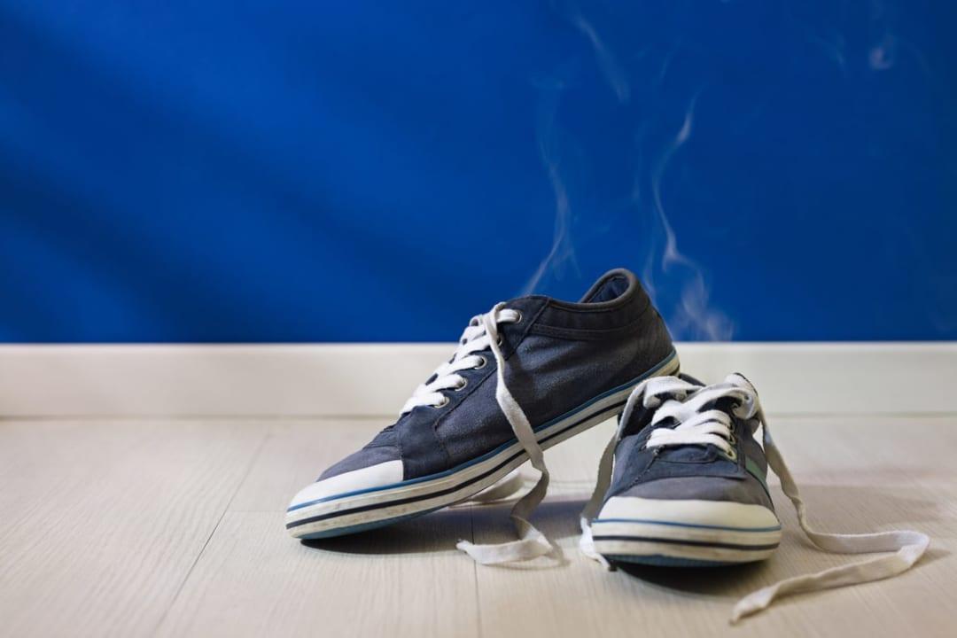 濡れた靴のせいで玄関が嫌な臭い…そんなお悩みを解決する「くつ乾燥機」