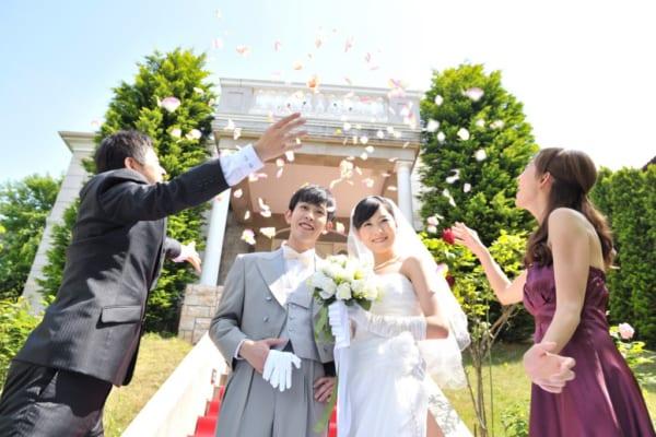 「おめでとう」の気持ちを形に!花嫁が今、本当にもらってうれしい【結婚祝い】の選び方!