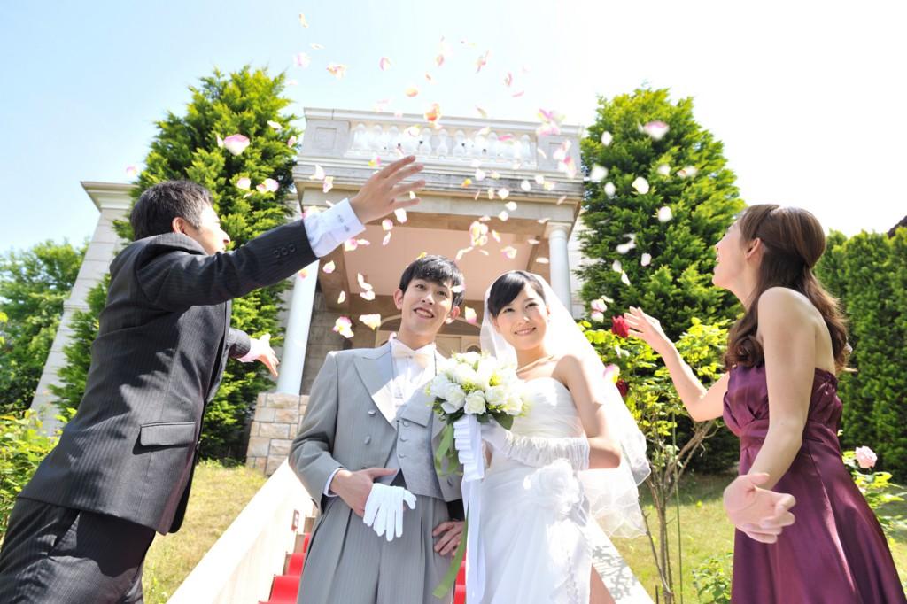 「おめでとう」の気持ちを形に♡ 花嫁が今、本当にもらってうれしい【結婚祝い】の選び方!