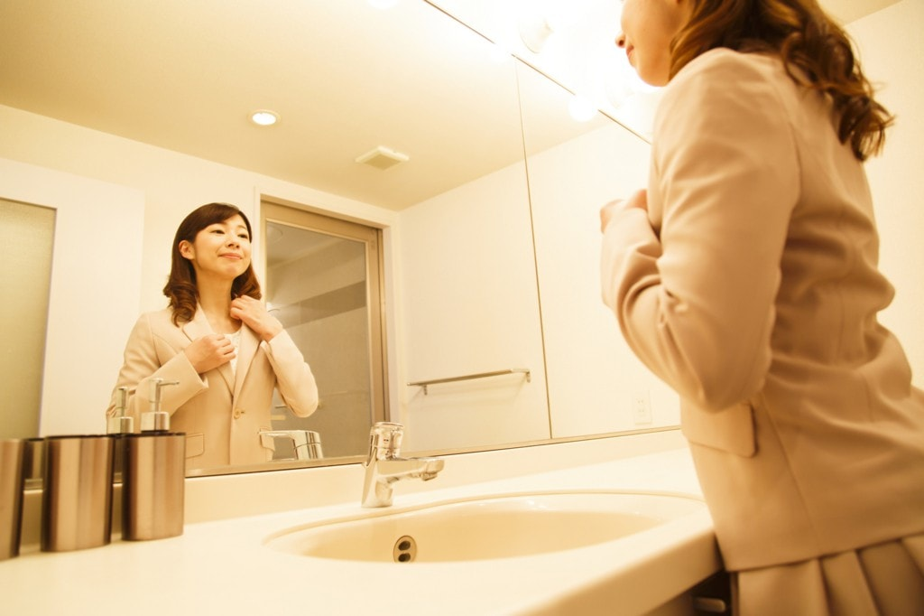 お出かけの準備時間を短縮!洗面台に便利な収納スペースを自作