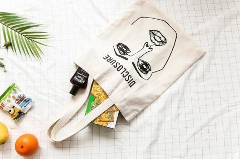 オールシーズン使い回せるバッグ★注目すべきは色とデザインです!