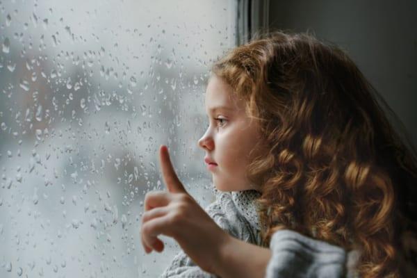 湿気なんて気にならない!梅雨の室内を快適に過ごせる【予算別】高性能除湿機特集!