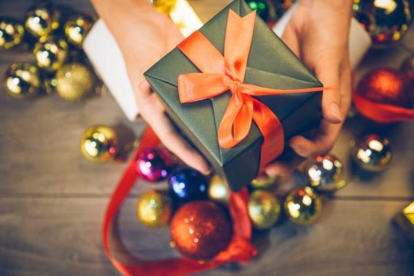 【2019年】女性が本当に喜ぶクリスマスプレゼントの選び方を年代別に徹底解説!