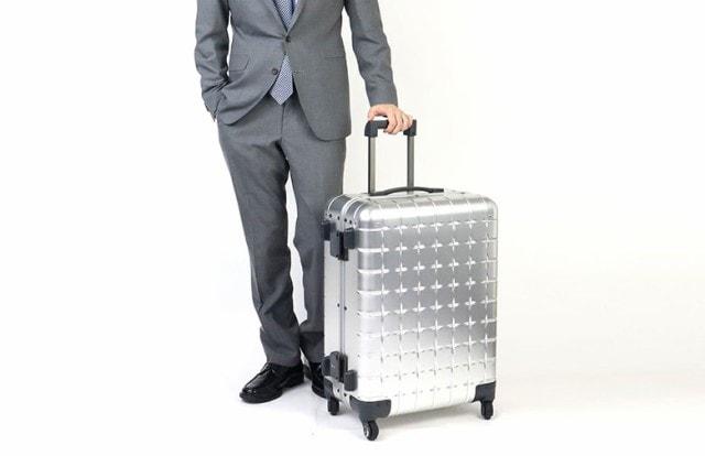 69リットル スーツケース