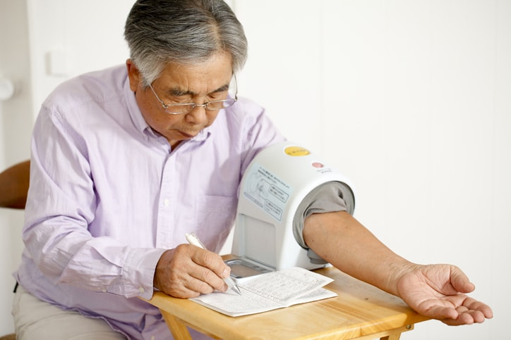 アームイン式 血圧計