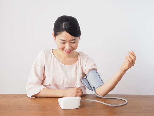 上腕式 カフ式 血圧計