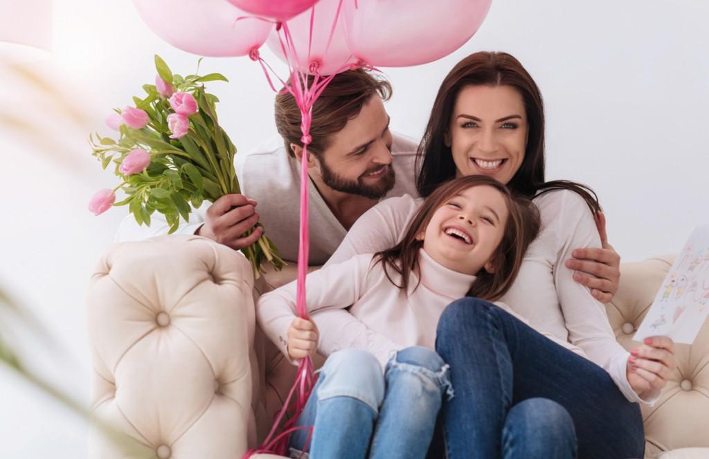 """一緒に過ごすのが一番の母孝行!今年の母の日は""""贅沢ディナー""""で家族団らんのひと時を♬"""