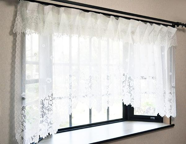 出窓 カーテン