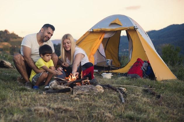 家族とテント