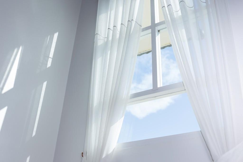 自分の家にピッタリなカーテンはどれ?カーテンの種類と選び方
