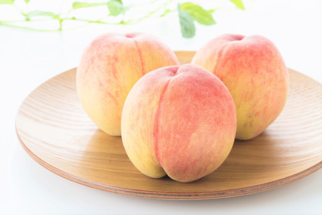 スーパーで「桃」買う時試して!誰でも簡単に【美味しい桃を見分ける】方法とは