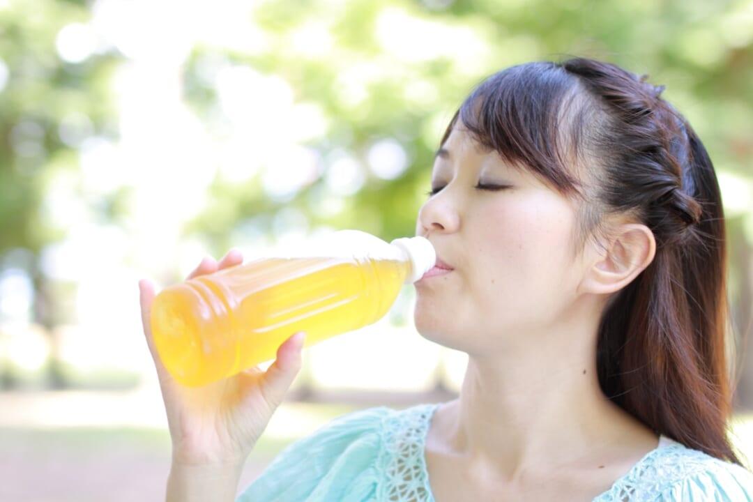 ペットボトルの冷たさ長持ち!【味が薄まらない・すぐ飲める】冷凍裏ワザが神!