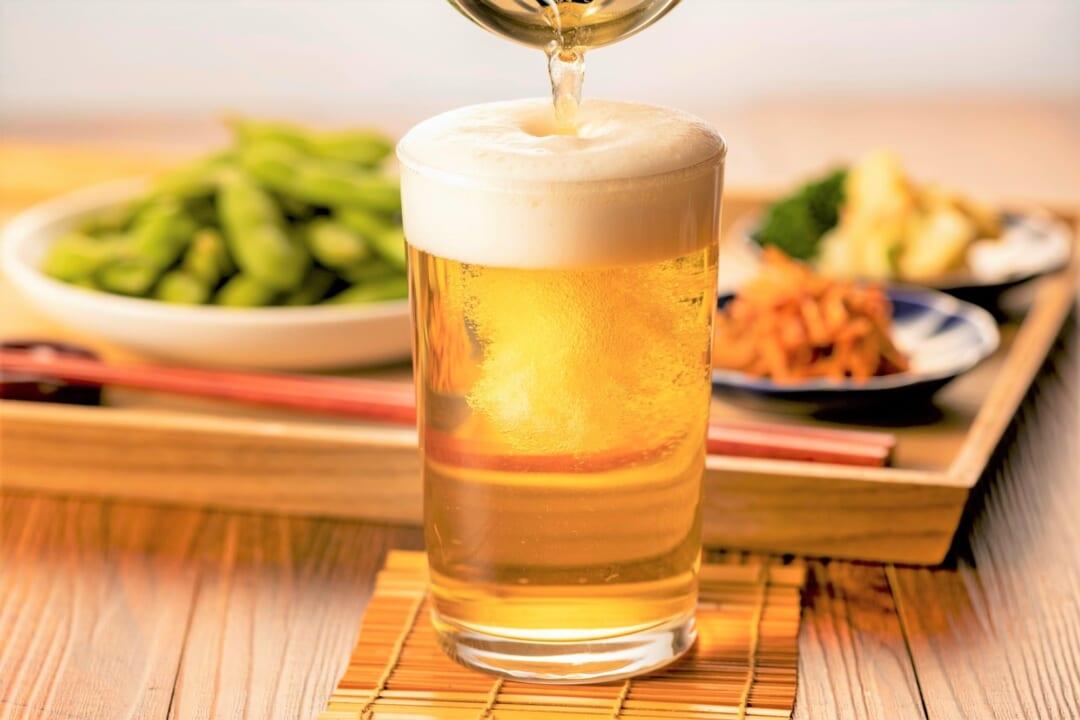 缶ビールがぬるくならない!【最後の一滴まで冷たい】最強の便利グッズとは?!