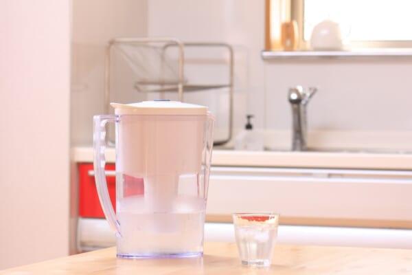 【水1Lが7円】使い終わったら消臭剤として再利用できる!?「浄水ポット」のススメ