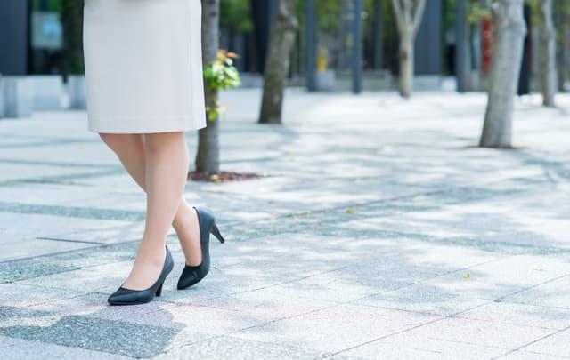 「靴でつま先が痛い…(泣)」外反母趾リスク軽減!足先をリフレッシュできるアイテム