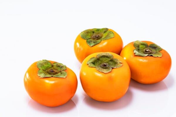 スーパーで「選んではいけない」柿の特徴は?おいしい柿の見分け方、要チェック!