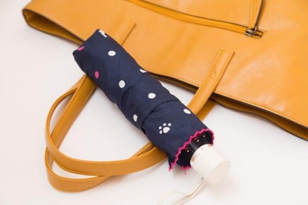通常の半分以下!超軽量『折りたたみ傘』は電車通勤や近所への買い物に便利!