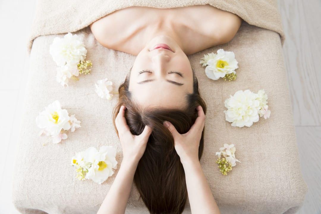 まるでプロの施術!お風呂で使えるヘアマッサージャーで全身の疲労回復が叶う