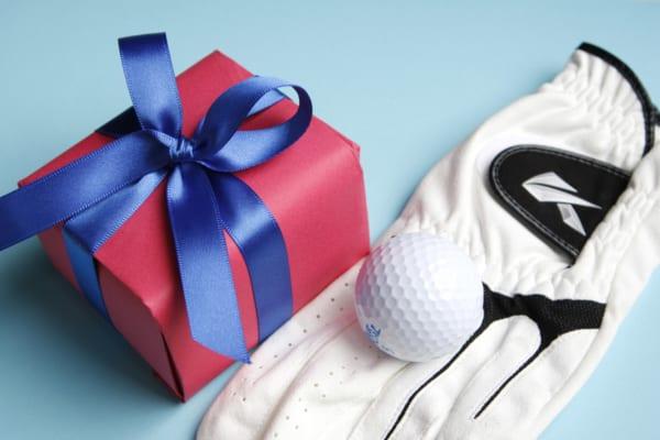 ゴルフグッズ、プレゼントするなら?上司やお父さんが喜ぶ商品を紹介!