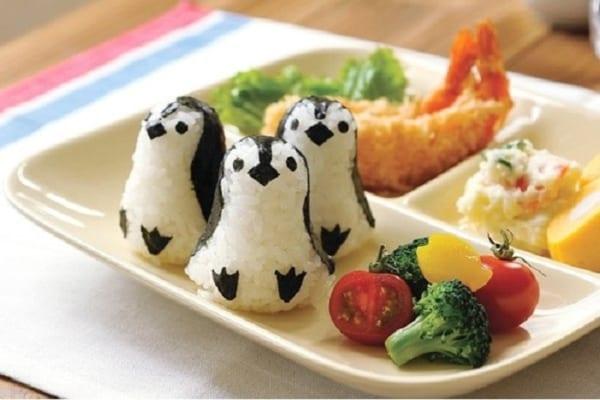【今日は何の日?】子どもと一緒に!おうちでおいしい『ペンギン』作り!