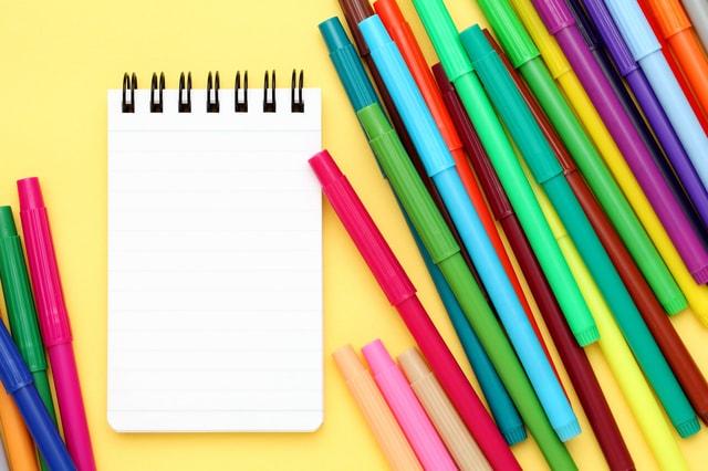 色付きのペンを使い分ける