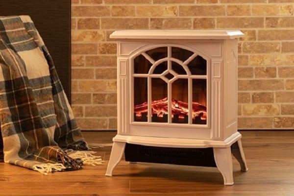 ゆらめく炎に癒される♪どんな家でも使える「暖炉型電気ヒーター」が素敵すぎ