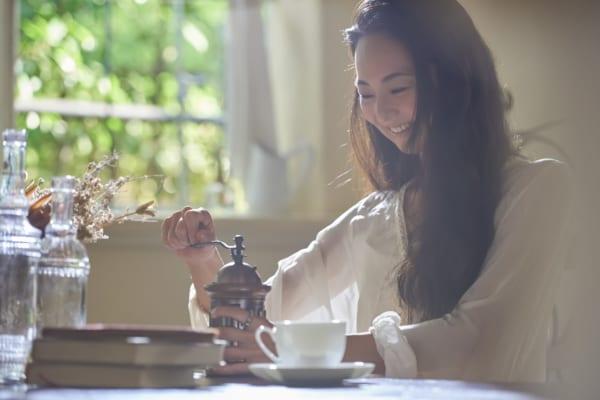 電動ミルでおいしいコーヒーを飲もう!選び方やおすすめ商品を紹介