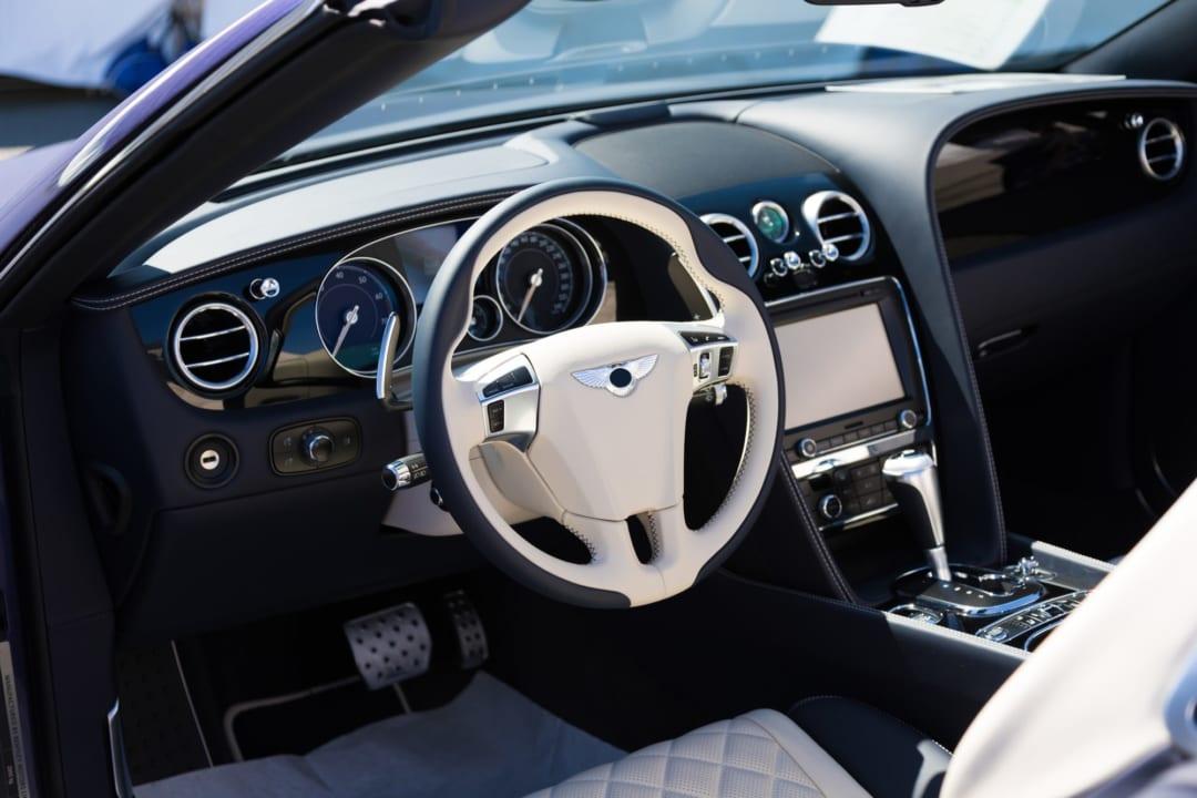 簡単にできる車の消臭方法!カビ臭やタバコ臭に効くおすすめグッズ15選