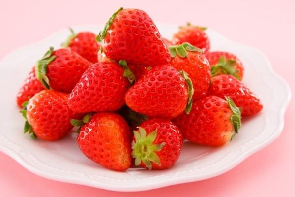 「甘いイチゴを一目で見分けるコツ」が超簡単!スーパーで買う時試すべし!