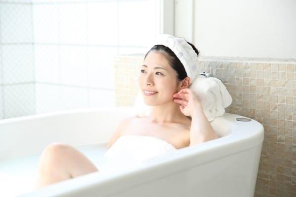 【今日は何の日?】簡単すぎ!美肌に導く『酒風呂』を入浴剤で手軽に満喫☆