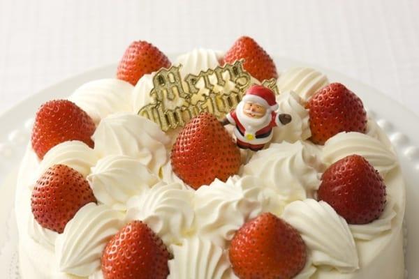 「ケーキを崩さずに切る裏ワザ」が超カンタン!クリスマスに早速試すべし!