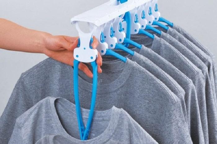 ボタン1つでスルッと落ちる!「一瞬で洗濯物を取りこめるハンガー」が便利すぎ