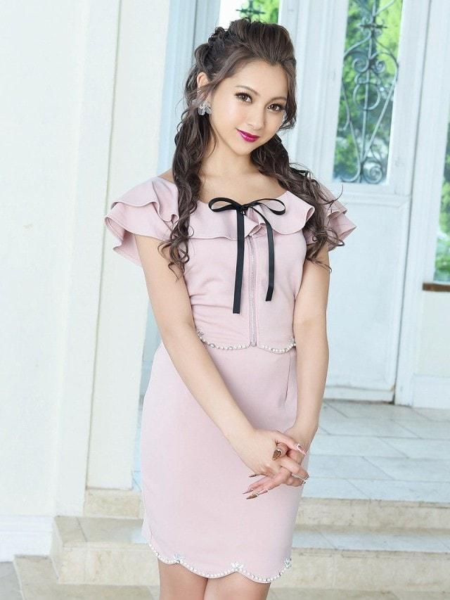 ピンクドレスでエレガントに。