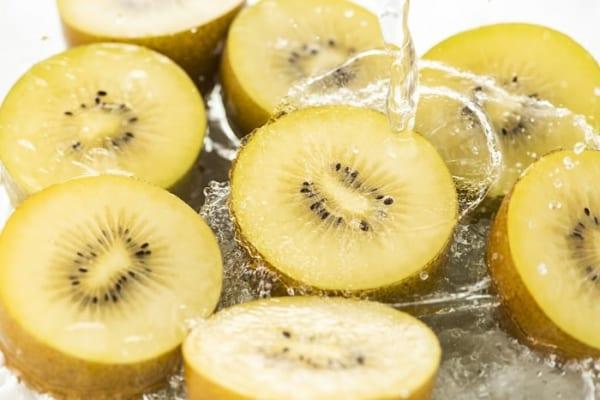 【今日は何の日?】目指せ美肌!ゴールドキウイのビタミンCはレモン8個分!