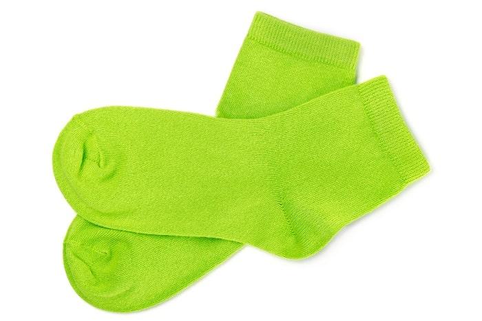 靴下は裏返して洗う?そのまま?間違った洗い方は洗濯の意味ほぼナシ?!