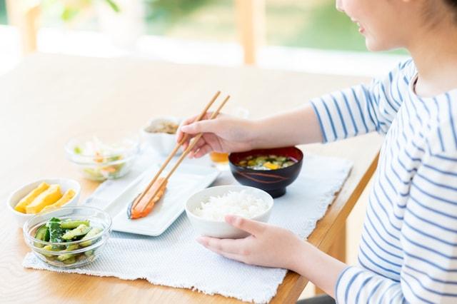 朝食には唾液腺を刺激する和食がおすすめ