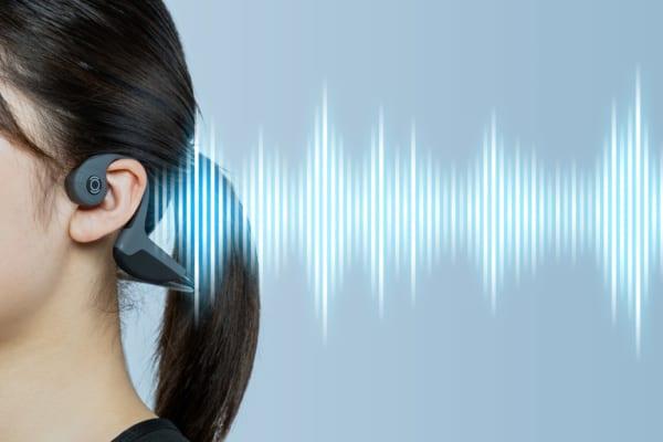 音楽は「骨」で聴く?!治りにくい「イヤホン難聴」を予防するイヤホンとは