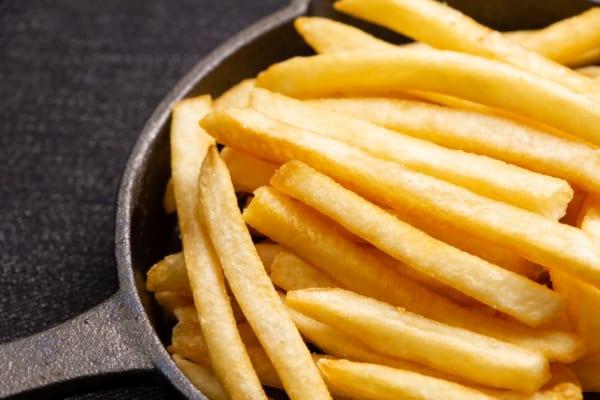 【今日は何の日?】お腹いっぱい食べたい!フライドポテト1キロをワンコインで★